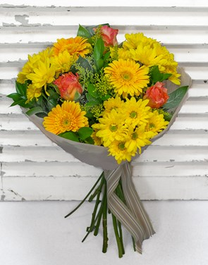 Bouquets: Bright and Breezy